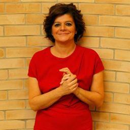 Júlia Pinheiro renovou contrato com a SIC, mas leva corte no ordenado.