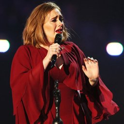 Adele esqueceu-se da letra durante concerto e esta foi a sua reacção!