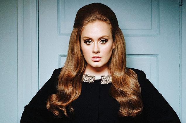 Adele interrompeu o concerto para dar 1 raspanete a umafã