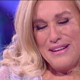 Teresa Guilherme: desata a chorar quando a VOZ apaga as luzes da Casa | COM VÍDEO