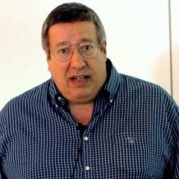 Manuel Serrão parte mesa de estúdio da TVI | COM VÍDEO!