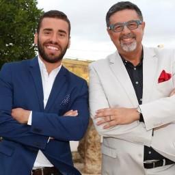 Malato celebra 1 ano de namoro com João Caçador!