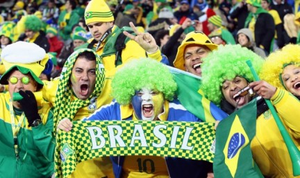 torcedores_brasileiros_africa.jpg