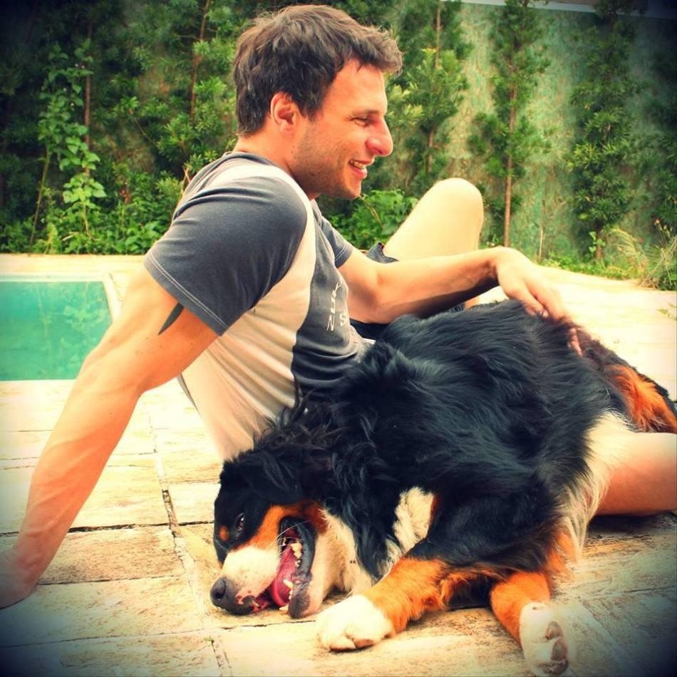 Brasileiro-emociona-a-Internet-com-carta-para-Deus-após-a-morte-de-seu-cachorro.jpg
