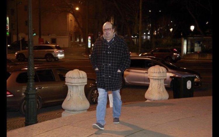 vip-pt-37170-noticia-octavio-matos-dor-e-emocao-marcam-o-ultimo-adeus-familiares-e-amigos-reunidos_11.jpg