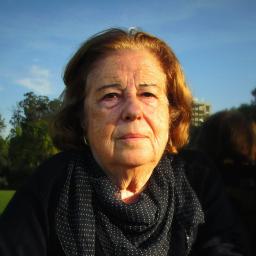 """Catarina Avelar: """"Agora, de repente, descobriram-me aos 80 anos. Estou com imenso trabalho"""""""