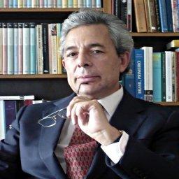 Carlos Fino: ex-jornalista da RTP conclui doutoramento