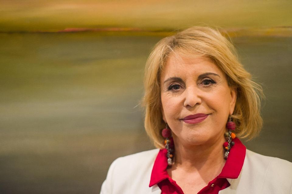 Dina Aguiar triste, quebra o silêncio após desabafo nofacebook