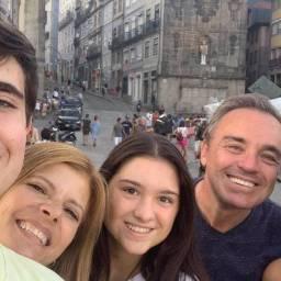 Gugu Liberato: mãe do apresentador é portuguesa e chorou junto o corpo do filho | Vejam o Vídeo!