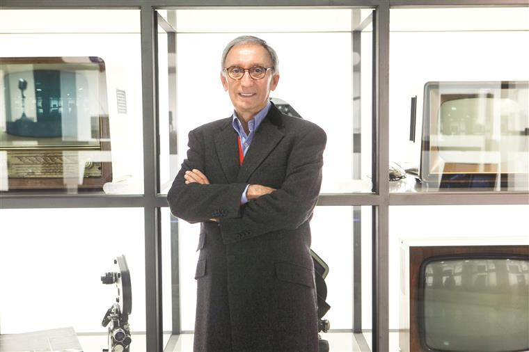 "RTP vai exibir Especial ""Júlio Isidro – 60 Anos deCarreira"""
