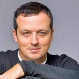 Miguel Gameiro, vocalista dos Pólo Norte arrasa a RTP