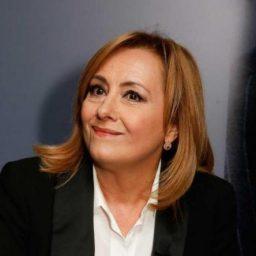 """Fátima Campos Ferreira recebe sugestão: """"Devia entrevistar aquelas pessoas que andam com uma enxada nas mãos"""""""