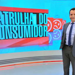Brasil: Farmácias aumentam preço do álcool e máscaras. Celso Russomanno leva polícia para fiscalizar e multar | COM VÍDEOS