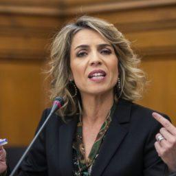 """Sandra Felgueiras: """"Marcelo demitiu-se das suas funções. barricou-se"""""""