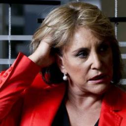 Dina Aguiar: jornalista da RTP cansada e triste