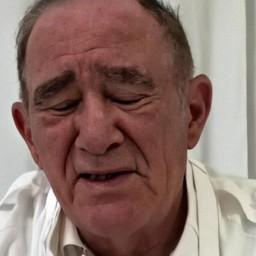 """TV Globo despede actor dos """"Trapalhões"""". Soluçando, Renato Aragão já reagiu."""