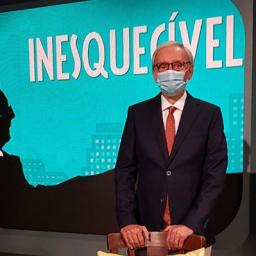 """Covid-19: Júlio Isidro volta à RTP """"Há 5 meses que não vestia um fato, não punha gravata, não calçava sapatos de pele"""""""