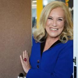 Teresa Guilherme aceita regressar à TVI mas exige contratação de amigo