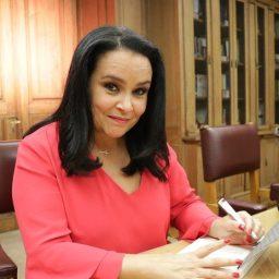 Alberta Marques Fernandes agora chama-se Alberta Feliz | COM VÍDEO