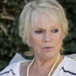 Drama: Florbela Queiroz luta contra solidão