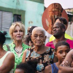 ESTREIA NA RTP2 – As Caraíbas escondidas com Joanna Lumle