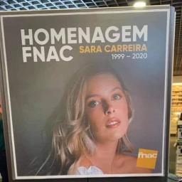 Polémica: FNAC colocou CD de Sara Carreira nas prateleiras em promoção e agora pede desculpas.