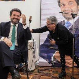 Maria Vieira canta os parabéns a André Ventura imitando Marilyn Monroe|Com Vídeo!