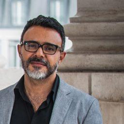 Filipe Santos Costa, ex-jornalista da SIC e do Expresso, vai reforçar TVI