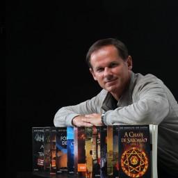 """José Rodrigues dos Santos eleito """"Escritor de Confiança"""" pelos portugueses"""