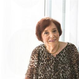 Aos 91 anos, Maria de Lourdes Modesto lança novo livro de culinária
