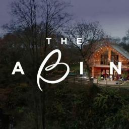 """""""The Cabins"""": novo programa da TVI coloca duas lésbicas na mesma casa para tentarem namorar"""