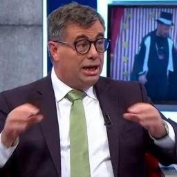 "ÚLTIMA HORA: Quintino Aires acusa TVI de ""censura"""