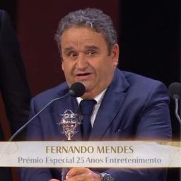 """Fernando Mendes agradece Globo de Ouro: """"Obrigado ao público e à RTP e Fremantle por confiarem"""""""